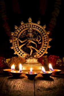 Shiva Nataraja with 排灯节 lights